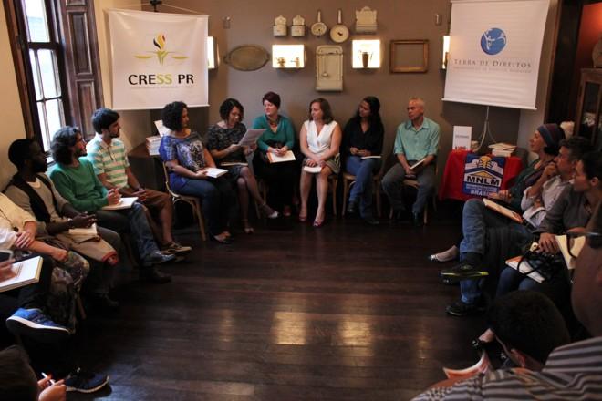 A Frente Mobiliza Curitiba, composta de várias entidades, se reuniu ontem à noite para avaliar o processo de discussão do Plano Diretor da capital. | Téo Travagin/Divulgação/Mobiliza Curitiba