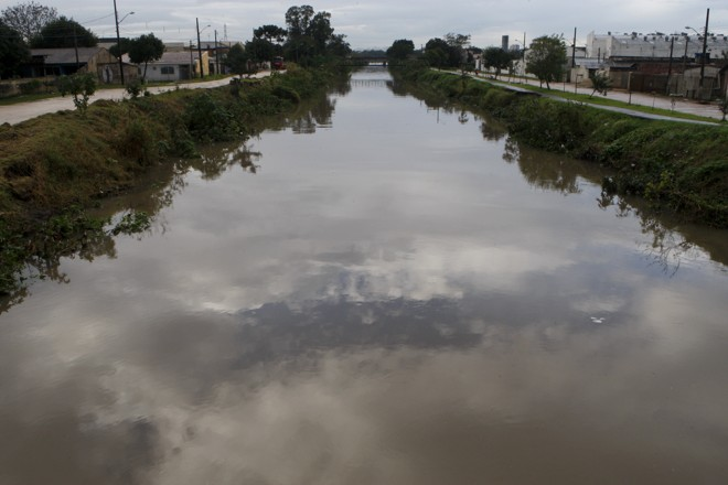 Três pontos do Rio Belém receberam classificação ruim. | Aniele Nascimento/Gazeta do Povo