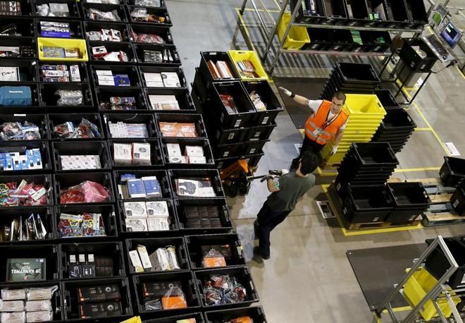 Prazo de entrega e especificações dos produtos devem ser analisados com calma durante as compras | Andrea Comas/Reuters