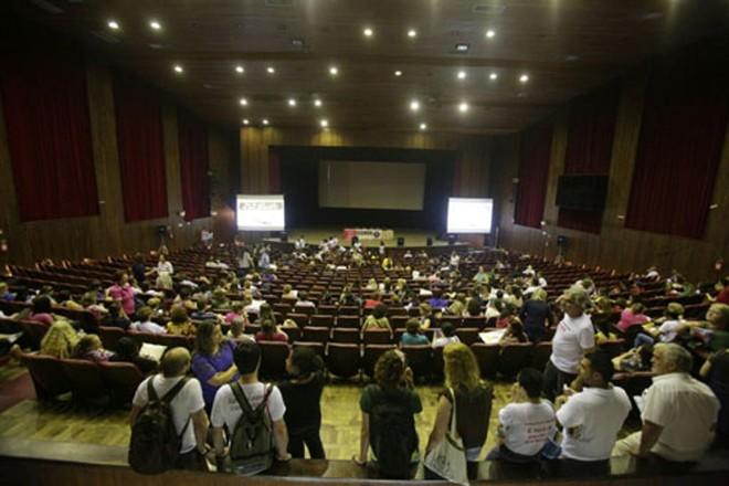 Decisão foi tomada em contrapartida à proposta da prefeitura | Lineu Filho/Tribuna