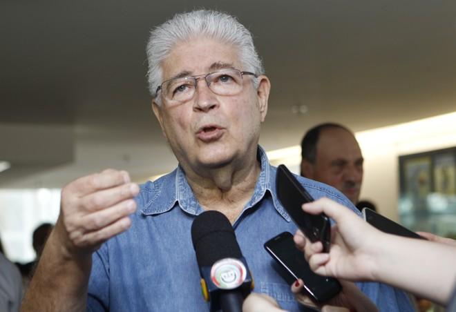 Requião em entrevista: autor da lei costuma ser crítico à imprensa   Aniele Nascimento/Gazeta do Povo