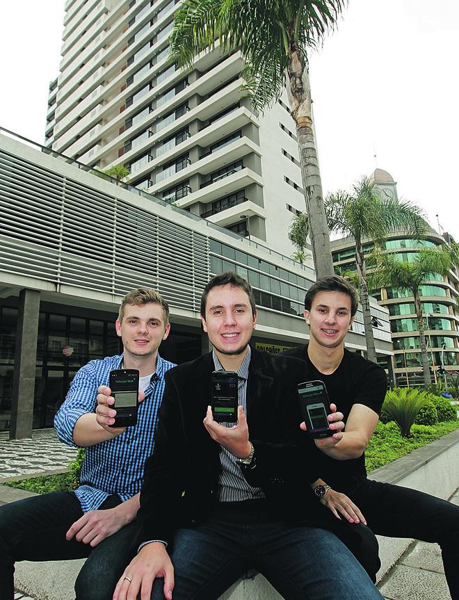 Juliano , Marcus Vinicius e Ivan investiram na criação de um aplicativo para gestão predial. | Antônio More/Gazeta do Povo