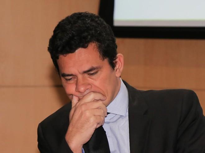 """Vídeo: Em audiência, juiz Sergio Moro admite """"estar cansado"""""""