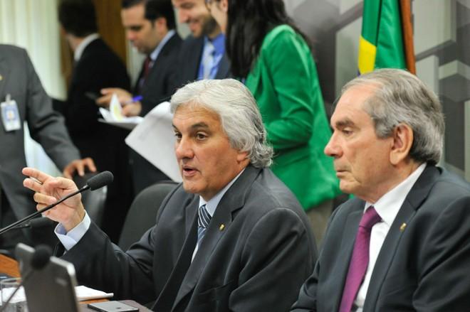 Delcídio Amaral: detalhes que beneficiariam Nestor Cerveró.   Geraldo Magela /Agência Senado