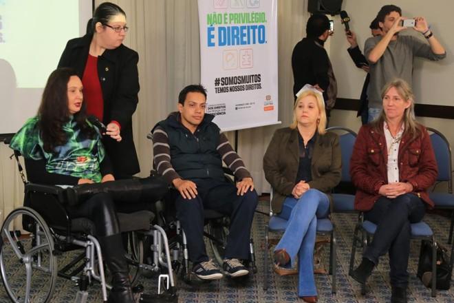 Membros do Conselho Municipal da Pessoa com Deficiência de Curitiba. | Ivonaldo Alexandre/Gazeta do Povo