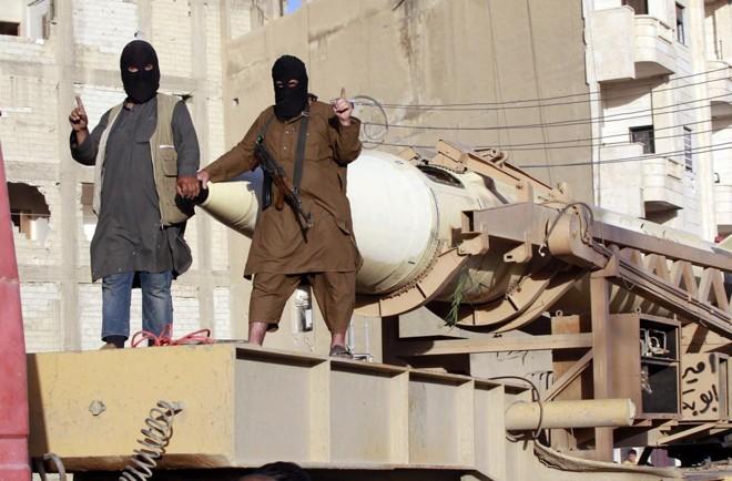 Militantes do Estado Islâmico na Síria: grupo prepara novos ataques na Europa, diz polícia europeia | CK/KR/STRINGER