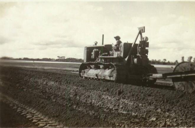 Canteiro de obras do aeroporto foi compartilhado entre engenheiros norte-americanos e operários brasileiros. | Acervo/Infraero