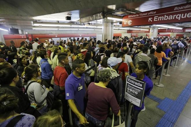 Metrô em São Paulo: as tarifas de ônibus, trem e metrô vão passar de R$ 3,50 para R$ 3,80 no dia 9 | Nelson Antoine /Folhapress