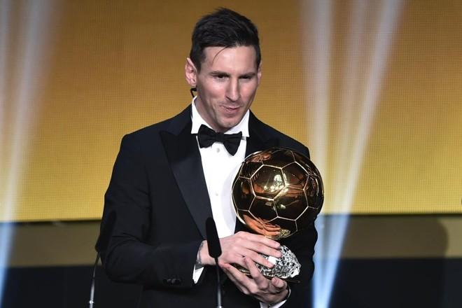 Messi ganhou a quinta Bola de Ouro da carreira. | Fabrice Coffrini/AFP
