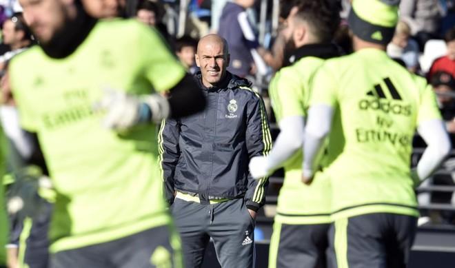Zidane comanda o primeiro trieno do Real Madrid : para Ronaldo, francês está preparado para o desafio. | GERARD JULIEN/AFP