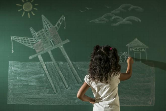Projeto que destinou recursos do pré-sal para a educação foi aprovado quando o preço do barril estava em US$ 100. Hoje está em US$ 30. | Marcelo Andrade/Gazeta do Povo