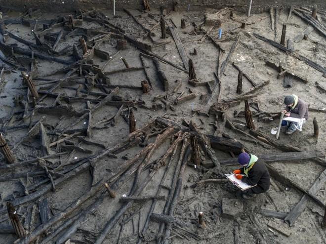 Arqueólogos trabalham na Fazenda Must, um sítio arqueológico da Idade do Bronze | ANDREW TESTA/NYT