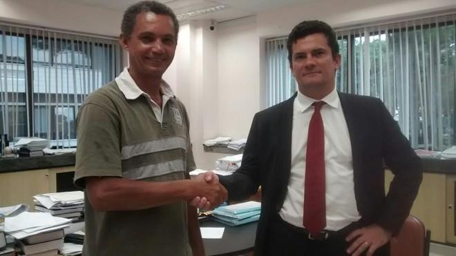 André Rhouglas com o juiz Sergio Moro. | /Arquivo pessoal