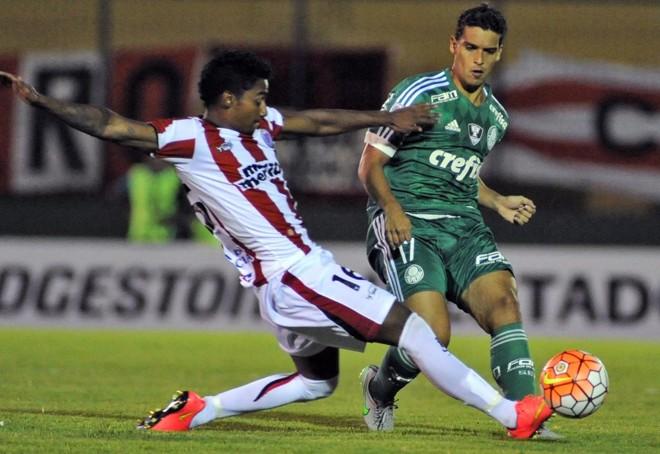 Jean marcou o primeiro gol do Palmeiras na Libertadores.   DANTE FERNANDEZ/AFP