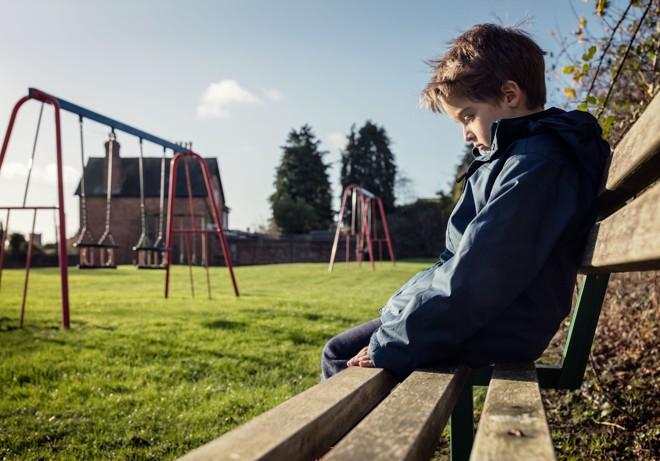 Combater o bullying virou lei: escolas e clubes devem criar meios de conscientizar e prevenir a prática. | Bigstock