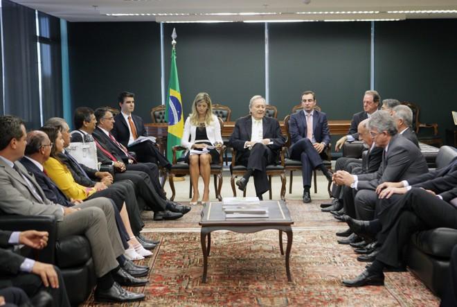 Reunião no STF: presidente do tribunal, Ricardo Lewandwoski (ao centro), recebe governadores para tratar dos precatórios em Brasília. | Felipe Sampaio/STF