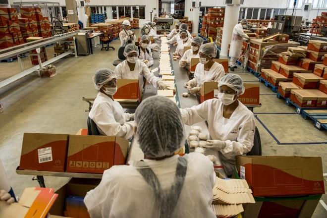Fábrica de sabonetes da Natura em Belém (PA):houve crescimento na base de consultoras no Brasil, mas o resultado foi afetado por uma queda no número de itens vendidos | Henry Milléo/Gazeta do Povo
