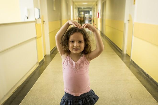 Gabriela Guerra Martins quer ser bailarina quando crescer | Marcelo Andrade/Gazeta do Povo