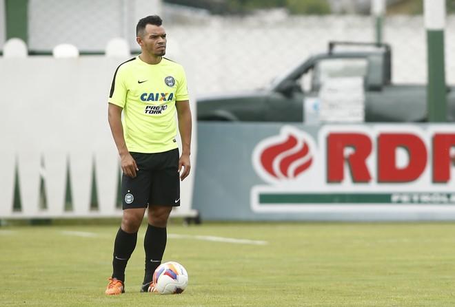 Ceará pede atenção ao jogo coletivo e melhora diária no Coxa. | Hugo Harada/Gazeta do Povo