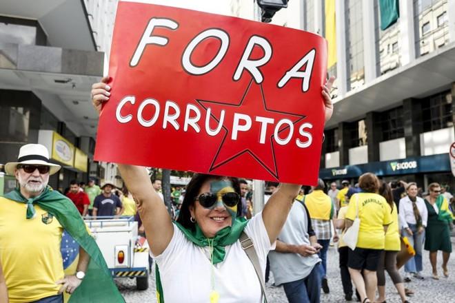 OBrasil está entre os países mais corruptos do mundo. | Henry Milleo/Gazeta do Povo