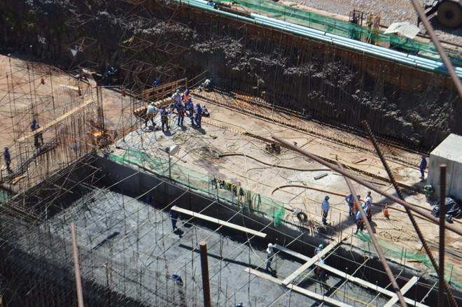 Cerca de 800 profissionais já trabalham no canteiro de obras da hidrelétrica. | Luiz Carlos da Cruz/Gazeta do Povo