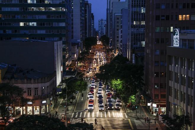 Trânsito na Avenida Marechal Deodoro, em Curitiba   Daniel Castellano /Gazeta do Povo