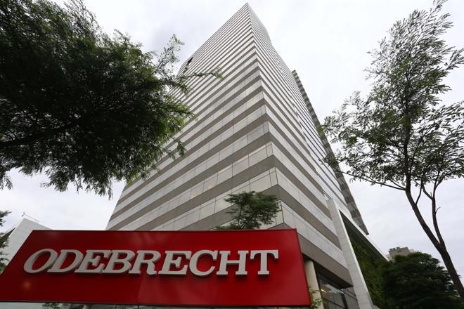 Na sede da Odebrecht foram coletados documentos com citações a políticos de  vários partidos, inclusive da oposição. | Marcos Bezerra/Futura Press/Folhapress
