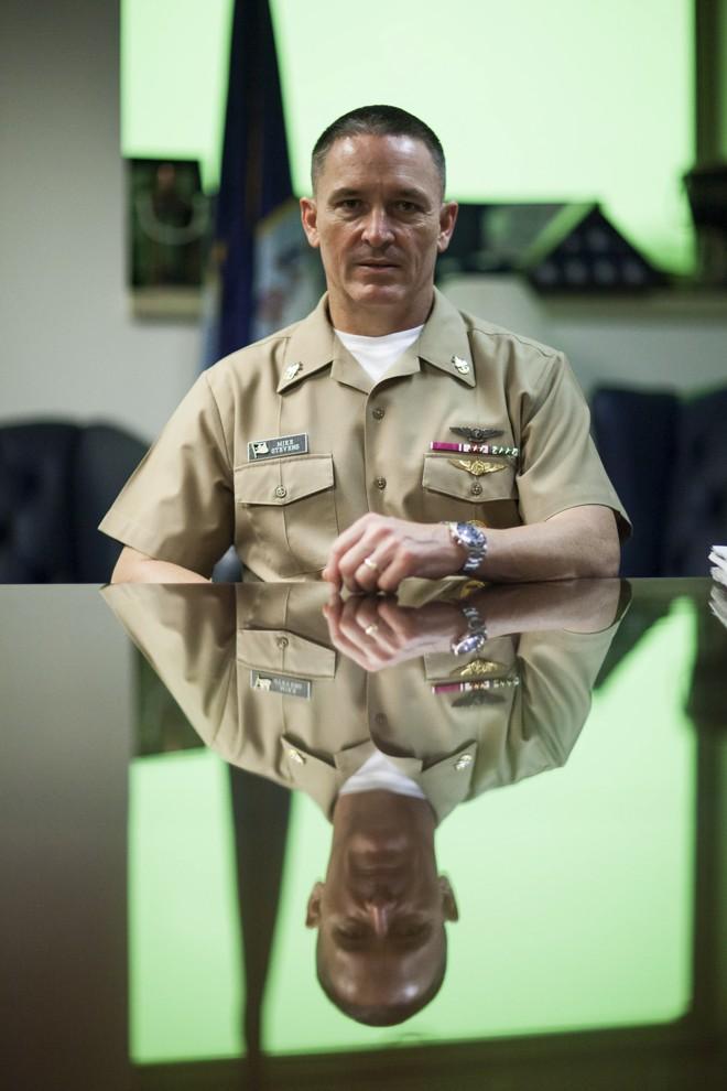 Michael Stevens, suboficial-chefe mestre da Marinha: dificuldade para redefinir uma posição com mais de 100 anos. | Zach Gibson/NYT