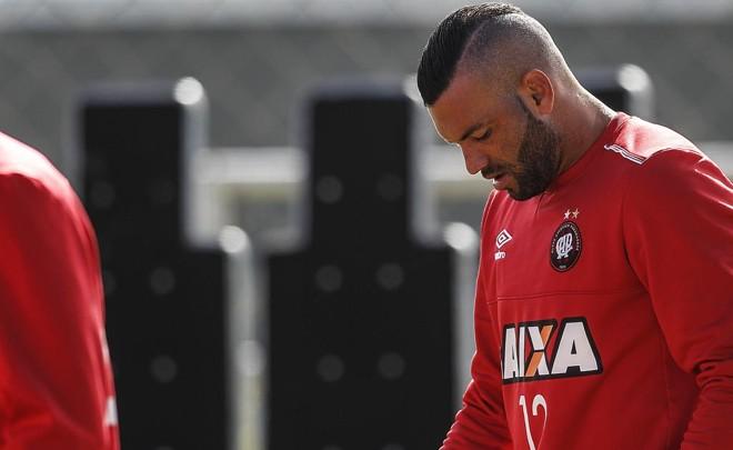 Atlético, do goleiro Weverton, segura a lanterna do Brasileiro após três rodadas. | Jonathan Campos/Gazeta do Povo