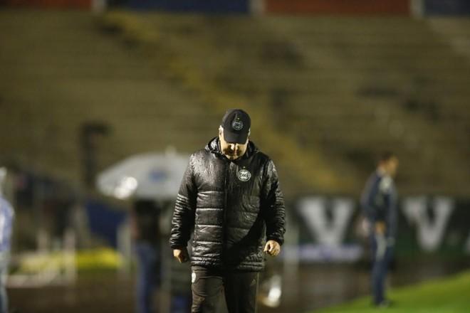 Kleina saiu após 28 jogos  no comando do Coritiba.   Hugo Harada/Gazeta do Povo