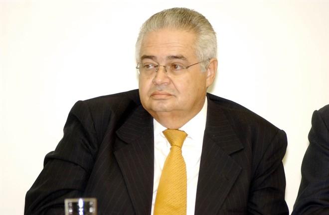 Pedro Corrêa diz que lado contrário ao de FHC, liderado por Maluf, também comprou votos. | Lindomar Cruz