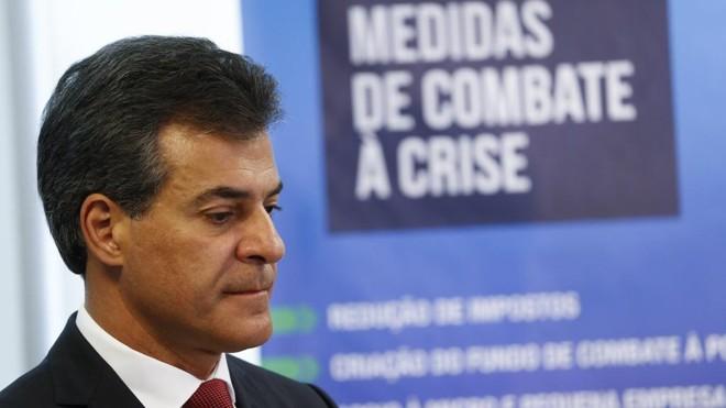 Governador Beto Richa (PSDB) voltou atrás no reajuste do funcionalismo, alegando não possuir dinheiro. | Daniel Castellano/Gazeta do Povo