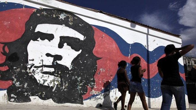 "Grafite de Che Guevara em Cuba: para Raymond Aron, o comunismo é a ""religião dos intelectuais"" | EOC/gk/ENRIQUE DE LA OSA"