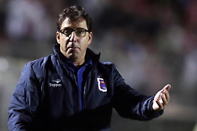 Treinador fez elogios ao time após a derrota por 3 a 2 para oCriciúma.   Albari Rosa/Gazeta do Povo