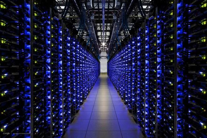 Data center do Google: espécie de banco de dados distribuído, blockchain vai mudar maneira como as pessoas e empresas fazem a transação de ativos | Google/Divulgação