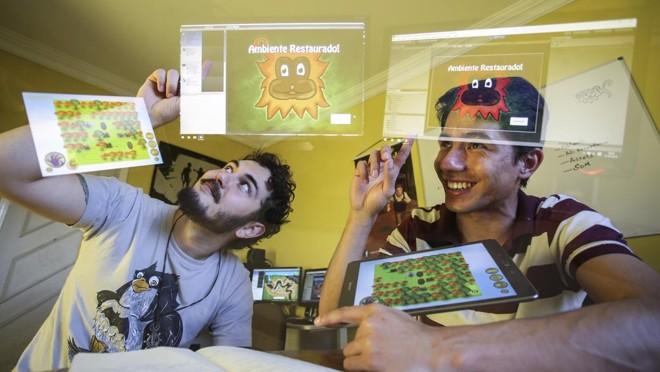 Alexandre e Wesley são sócios da Mustache Games e buscam patrocínio. | Daniel Castellano/Gazeta do Povo