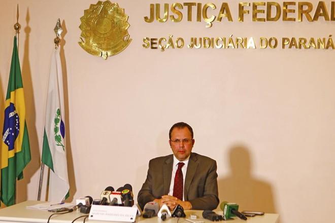 O juiz da 14ª Vara Federal de Curitiba, Marcos Josegrei da Silva, na entrevista coletiva nesta quinta-feira (20). | Antônio More/Gazeta do Povo
