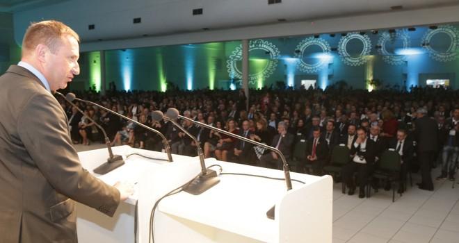 Presidente do Conselho Regional de Engenharia e Agronomia do Paraná (Crea-PR), engenheiro civil Joel Krüger, durante a abertura do evento | Andre Rodrigues