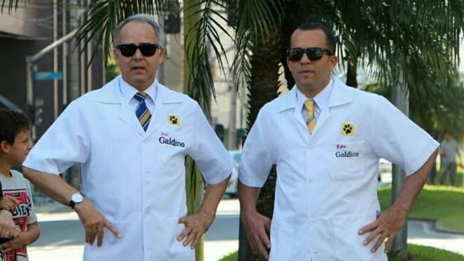 João Galdino de Souza, atual vereador, e seu irmão Eduardo de Souza: ambos usam a alcunha de Professor Galdino. | Reprodução/Facebook