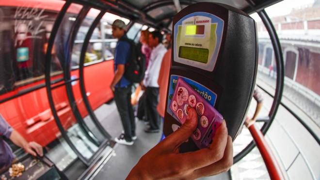 Preço da passagem de ônibus será tema central na campanha para prefeito de Curitiba. | Daniel Castellano/Gazeta do Povo