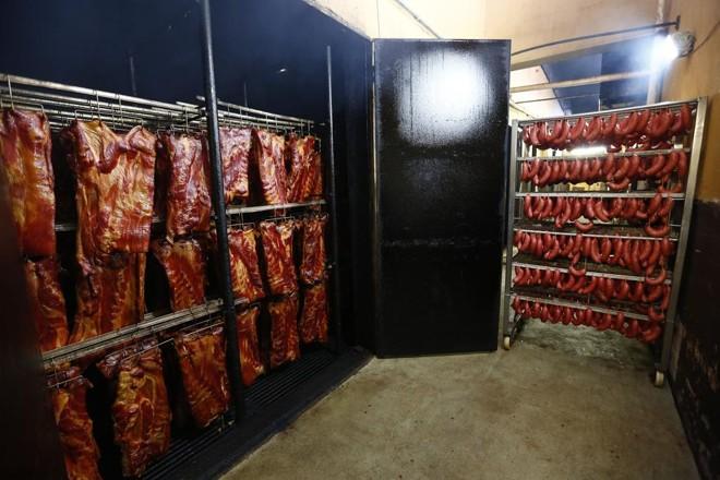 Copa, salame, mortadela, carré, bacon e torresmo são alguns dos mais de 60 produtos fabricados em Sananduva, no Rio Grande do Sul | JONATHAN CAMPOS/GAZETA DO POVO