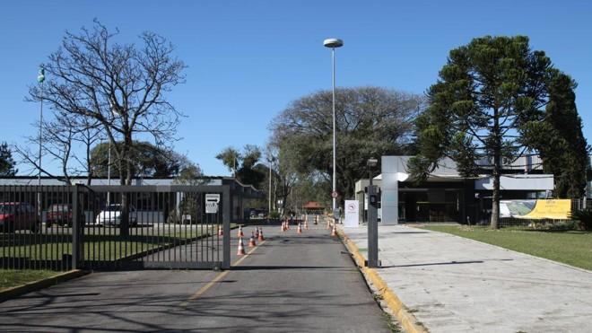 Novo campus da Universidade Tecnológica do Paraná (UTFPR), instalado na Cidade Industrial de Curitiba, onde antes ficava uma fábrica da Siemens.   Aniele Nascimento/Gazeta do Povo