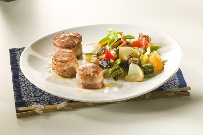 Filé de suíno e o bacon unem sabores com vegetais conhecidos da cozinha brasileira | Frimesa/Divulgação