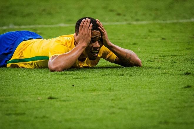 Gabriel Jesus lamenta lance perdido em jogo contra o Iraque | /Folha press