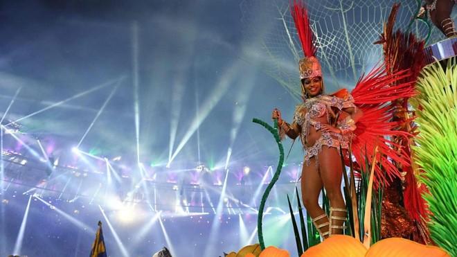 Teve samba, carnaval de rua, desfile de blocos carnavalescos, cultura nordestina, mas e o Sul, onde ficou?   Leon Neal/AFP