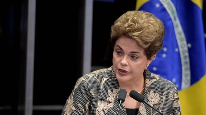 "Dilma Rousseff negou crime de responsabilidade e classificou o processo de impeachment de ""golpe de estado"". | Evaristo Sá/AFP"