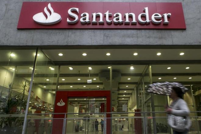 Banco Santander está com inscrições abertas para o seu programa de jovens talentos  até o próximo dia 18 de agosto. | Marcelo Andrade/Gazeta do Povo