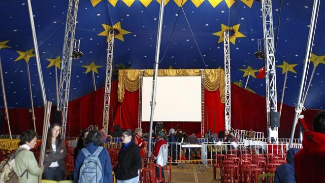 Palestra será aberta ao público. Quem não conseguir entrar na tenda, poderá acompanhar a fala de Dilma por meio de telões. | Antônio More/Gazeta do Povo