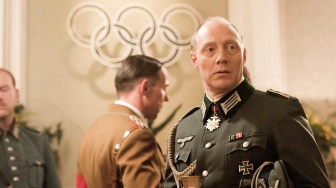 Simon Schwarz como o nazista Wolfgang Fürstner, comandante da aldeia olímpica | Martin Valentin Menke/Divulgação