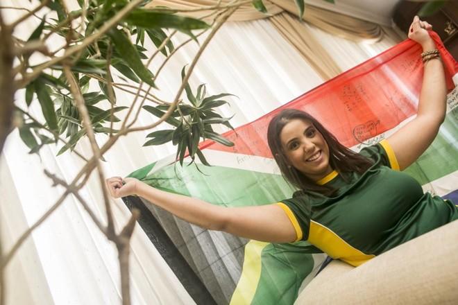A psicóloga Lianna Calderari Oliveira, que passou três meses na África do Sul depois de concluir a graduação | Marcelo Andrade/Gazeta do Povo